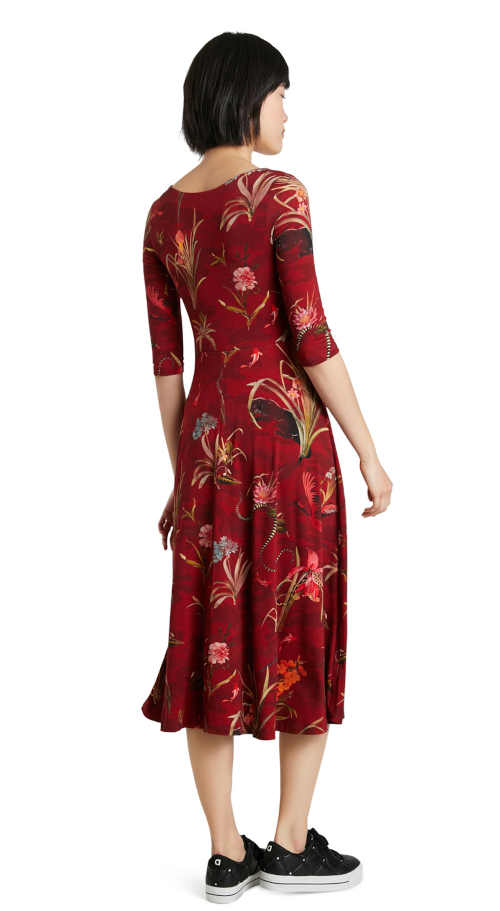 šaty s potiskem v midi délce