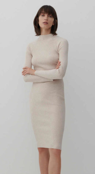 úpletové šaty s dlouhým rukávem