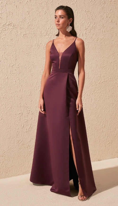 vínové šaty se sexy rozparkem